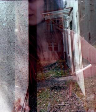 """""""Charlotte"""" - Photographie argentique en surimpression"""